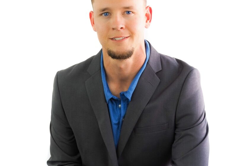 Joshua Mullins – Realty One Group